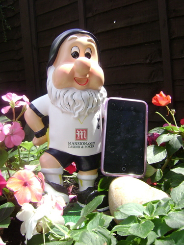 ipod touch with a tottenham gnome