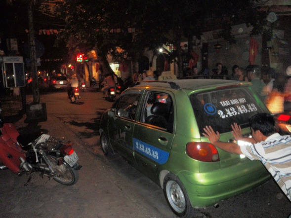 having to push a taxi home in Hanoi vietnam